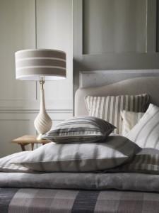 neutral bedroom_030